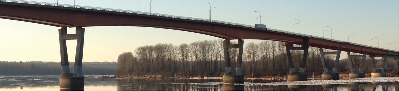 The bridge over the Fraser River looking north towards Mission